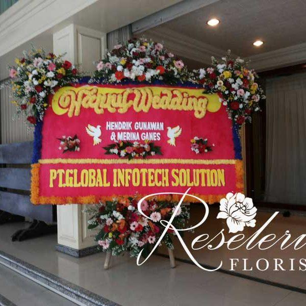 Bunga papan, bunga pernikahan, karangan bunga, rangkaian bunga, papan happy wedding