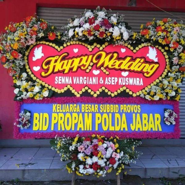 Happy wedding, bunga papan, bunga pernikahan, karangan bunga, rangkaian bunga, papan bunga