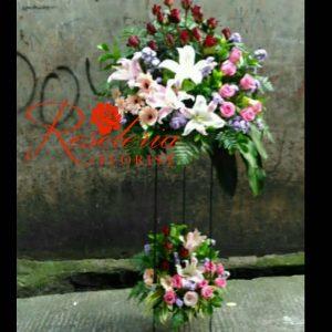 Standing flower, bunga standing, standing flower murah, bunga standing murah, krans duka cita